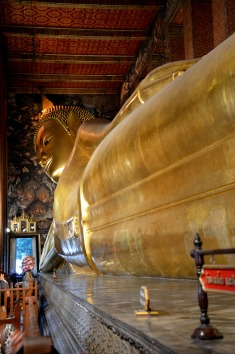 Bangkok - Wat Pho, Reclining Buddha