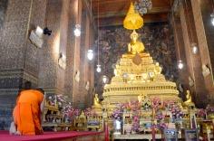Bangkok: Wat Pho, Main Bot