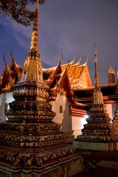 Bangkok: Wat Pho, night