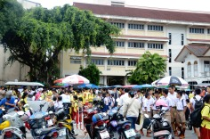 Phuket Town - food court in front of school - after
