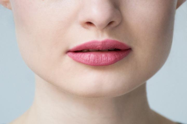 golden_rose_matte_lipstick_02