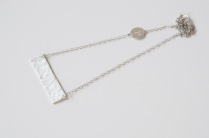 minimalist_silver_handcrafted_necklace